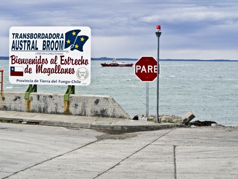 [ Chili ] Balade dans le détroit de Magellan avec Panoramio. Ferry10