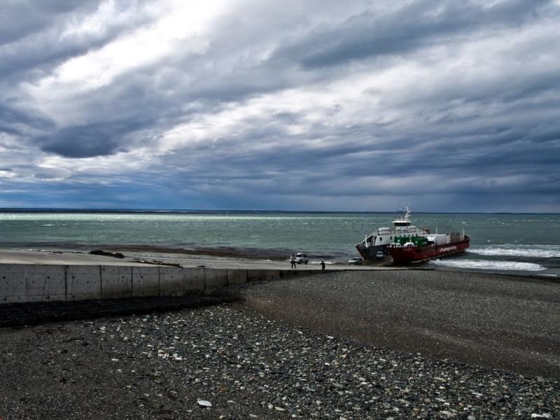 [ Chili ] Balade dans le détroit de Magellan avec Panoramio. Ferry210