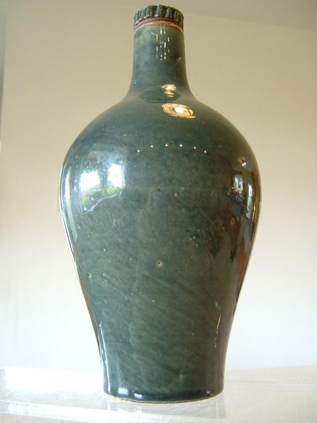 Screw top bottle, Fulham Pottery Troika15