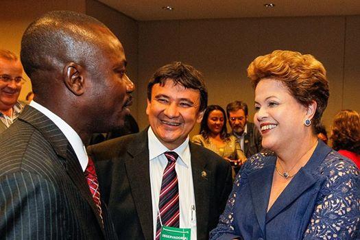 Sen Moise Jean Charles ,le chef de l'opposition haitienne - Page 2 16255310