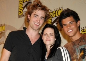 Fan Club officiel d'Edward Cullen - Page 6 Normal11