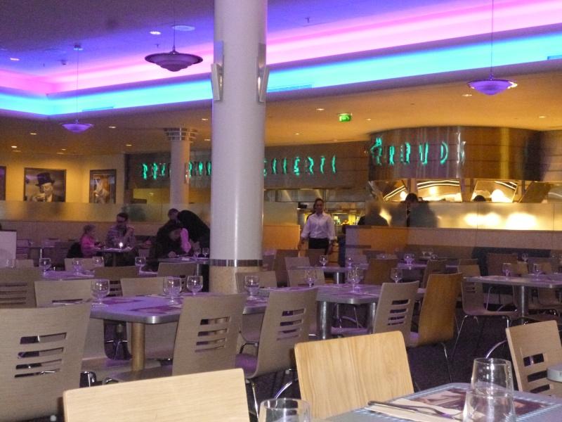 Restaurant des Stars (carte p.15) - Page 10 03910