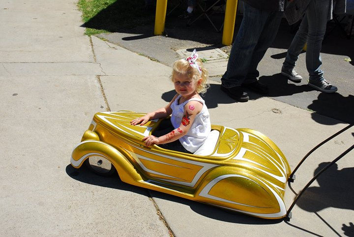 PEDAL CARS - Page 3 19210010