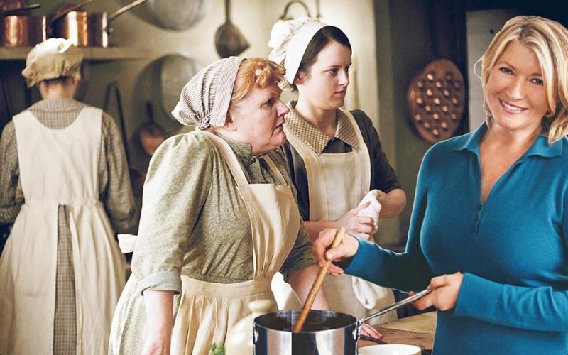 Downton Abbey - Page 10 Hilari11
