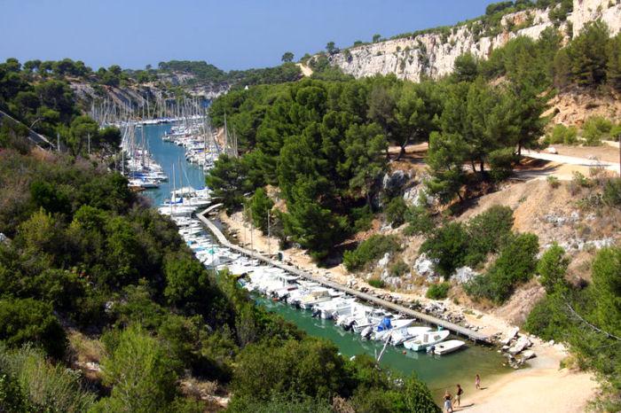 Cassis sur Mer et La Ciotat Bouches du Rhône 800px-11
