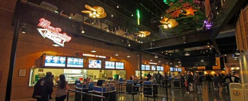 Restaurant en Coulisse  (Walt Disney Sutdios)  10322713
