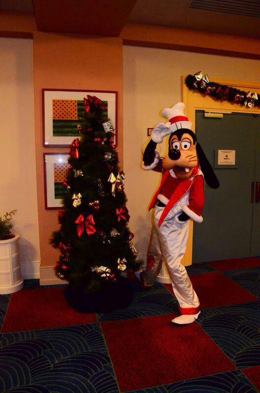Disney's Hotel New York - Page 2 14687610