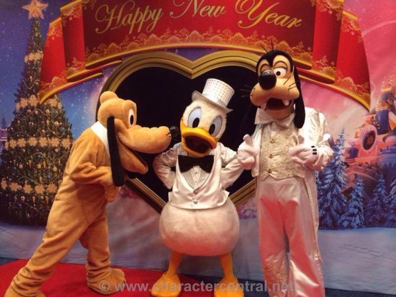 Disney's Hotel New York - Page 2 15132210