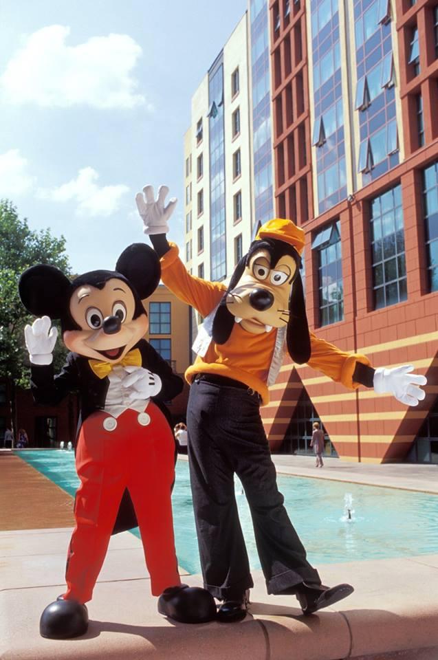 Disney's Hotel New York - Page 2 99472310