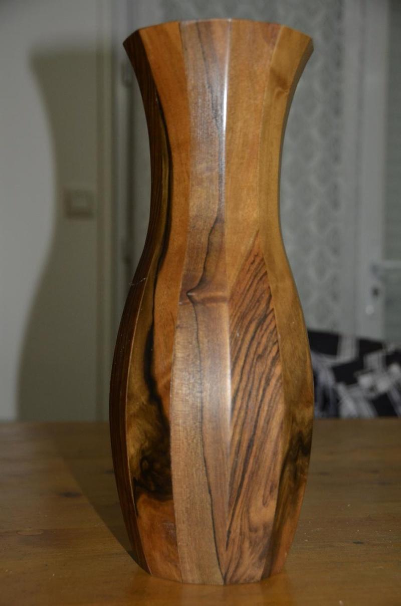 vase 12 faces en noyer ( déco ) _dsc5610