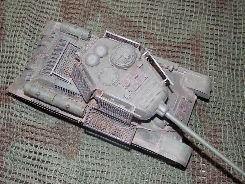T34/85  bedsping armor  - Page 2 T34-8126