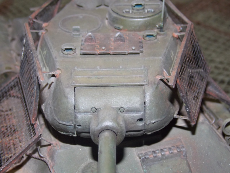 T34/85  bedsping armor  - Page 2 T34-8130