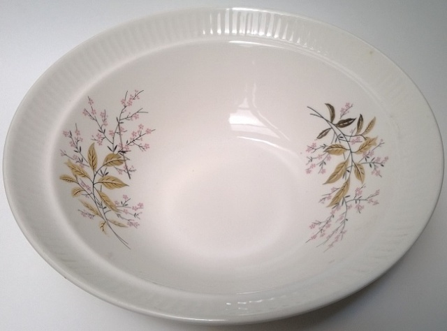 I'm sure this is a 4026 Fluted Rimmed Salad Bowl 4026_f10