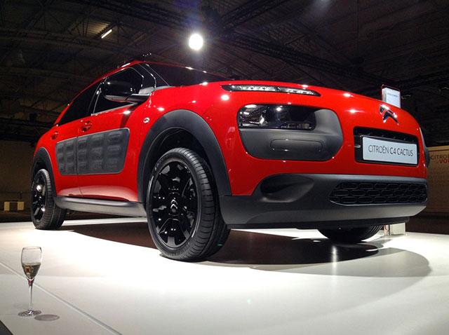 2014 - [Citroën] C4 Cactus [E3] - Page 2 2014_c22