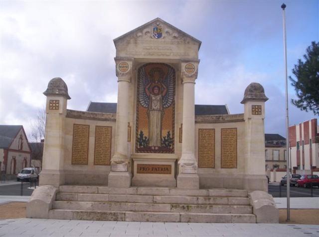 [Histoires et Histoire] Monuments aux morts originaux Français Tome 1 - Page 12 Photo_77