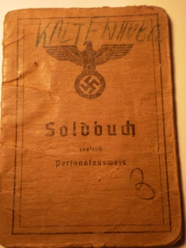 Vos livrets militaires allemands WWII (Soldbuch, Wehrpass..) / Heer-LW-KM-SS... P4170910