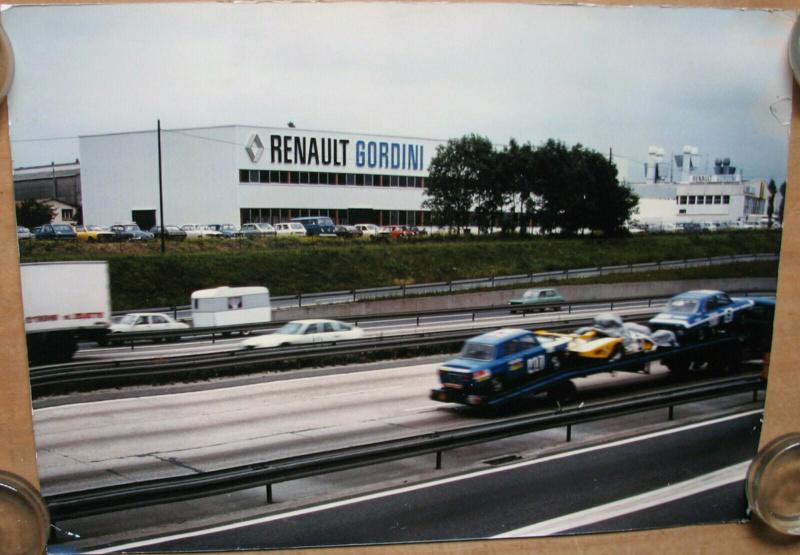 Photos de R15 & R 17 en arrière plan - Page 22 14932710