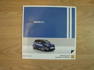 Brochures Twingo 1 et 2 au profit de l'association Img_1718