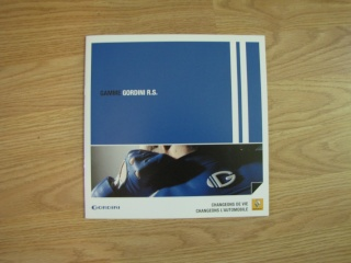 Brochures Twingo 1 et 2 au profit de l'association Img_1721