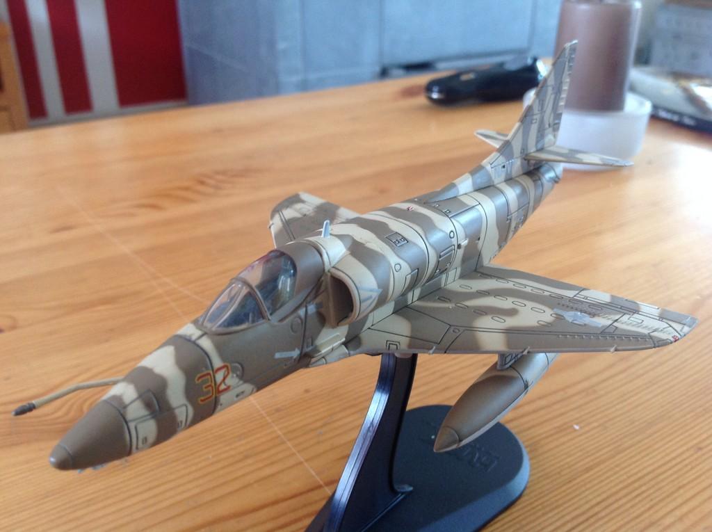 ma collection d'avions ... attention grosses photos, désolé dany ;) A4_top11
