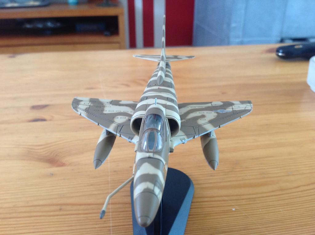 ma collection d'avions ... attention grosses photos, désolé dany ;) A4_top12