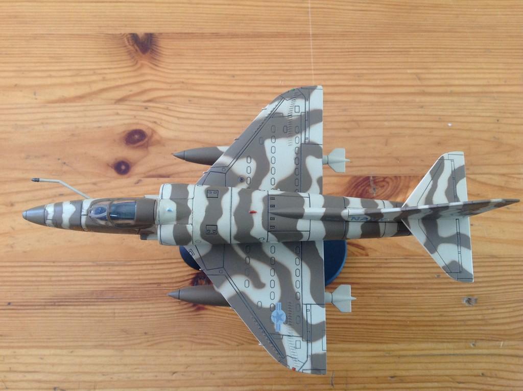 ma collection d'avions ... attention grosses photos, désolé dany ;) A4_top13