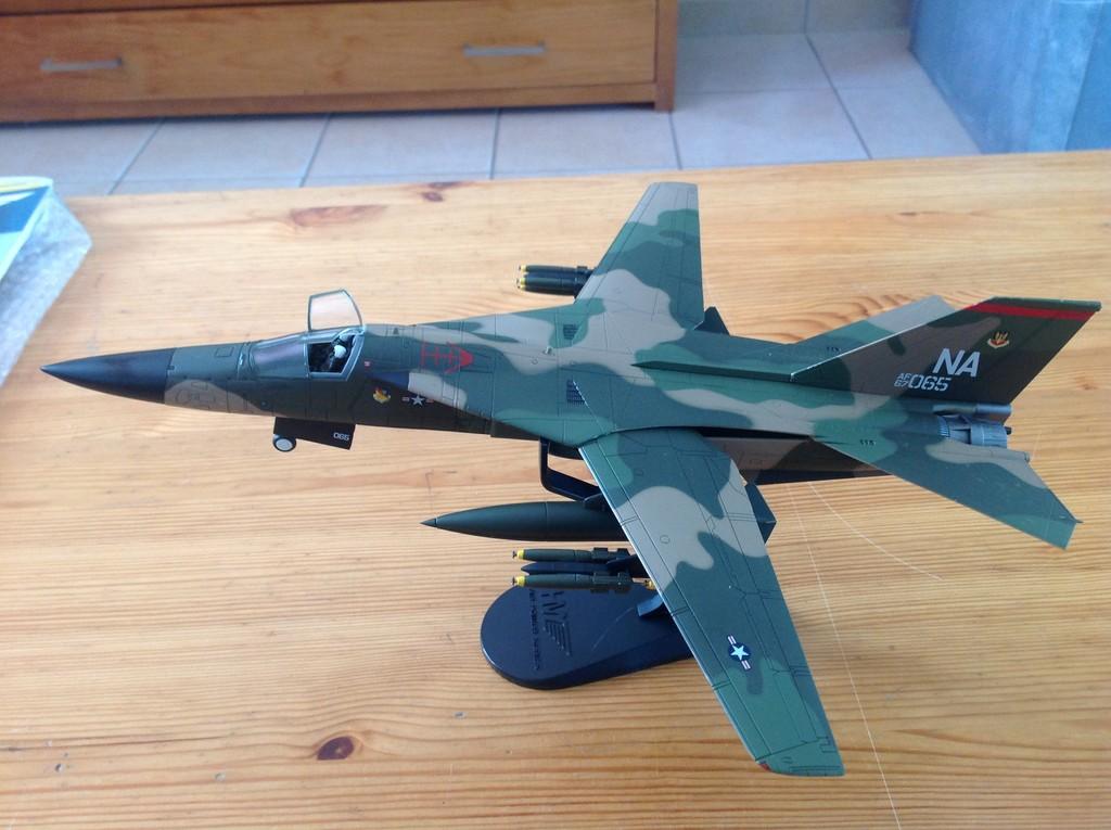 ma collection d'avions ... attention grosses photos, désolé dany ;) F-111_10