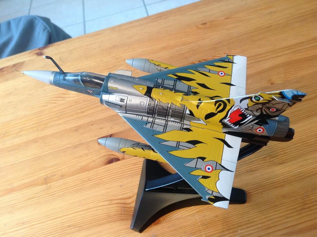 ma collection d'avions ... attention grosses photos, désolé dany ;) Mirage10