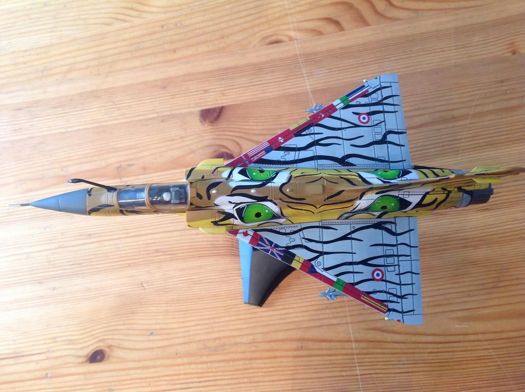 ma collection d'avions ... attention grosses photos, désolé dany ;) Mirage14