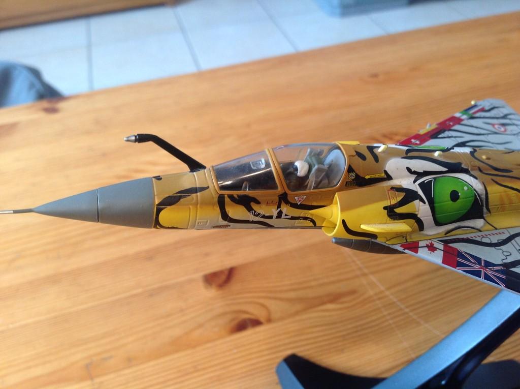 ma collection d'avions ... attention grosses photos, désolé dany ;) Mirage15