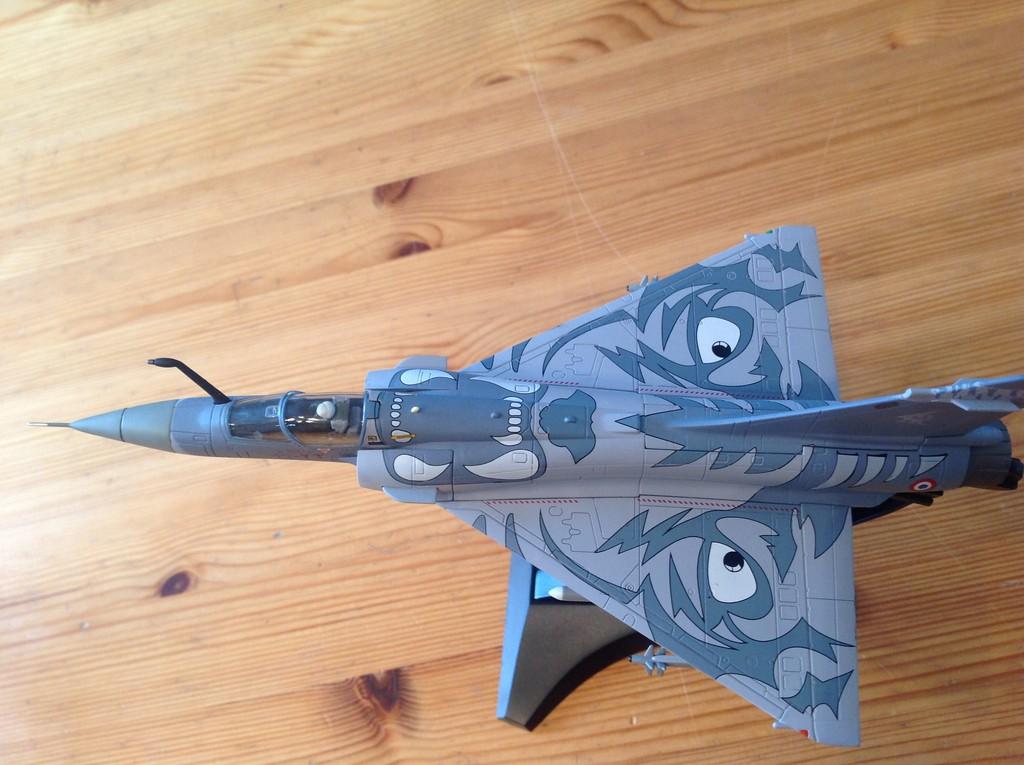 ma collection d'avions ... attention grosses photos, désolé dany ;) Mirage16