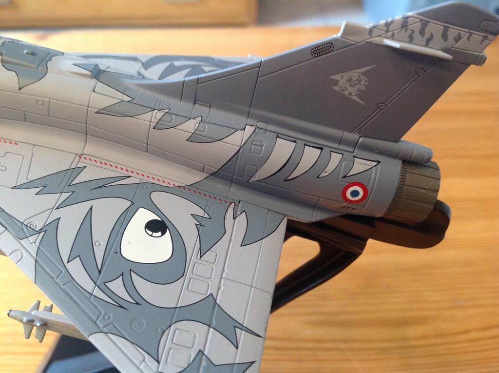 ma collection d'avions ... attention grosses photos, désolé dany ;) Mirage18