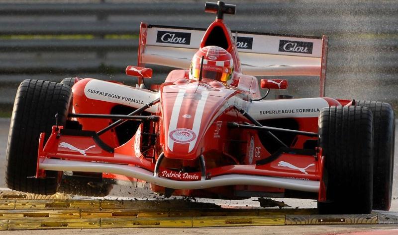 Photos spectaculaires de courses - Page 3 10749410