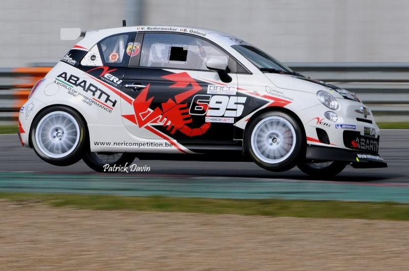 Photos spectaculaires de courses - Page 3 12712110