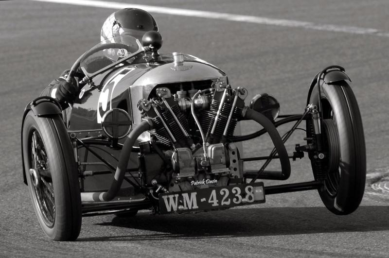 Photos spectaculaires de courses - Page 3 85859810