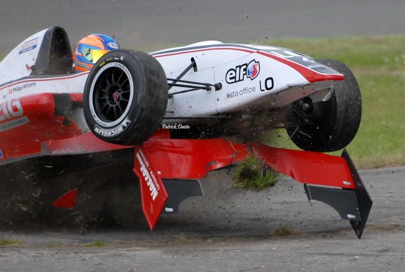 Photos spectaculaires de courses 88392810