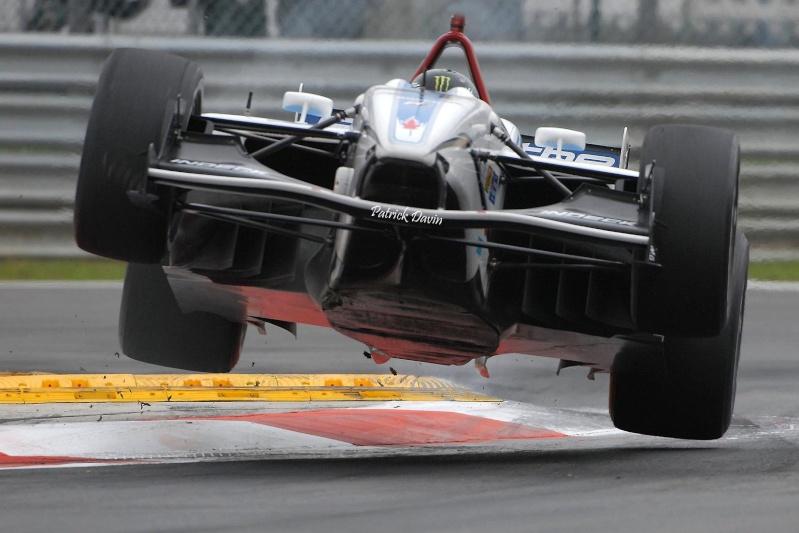 Photos spectaculaires de courses 91910310