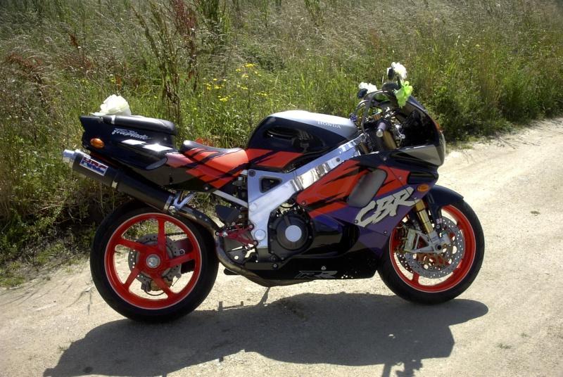 Un plus parmi vous Moto_j11