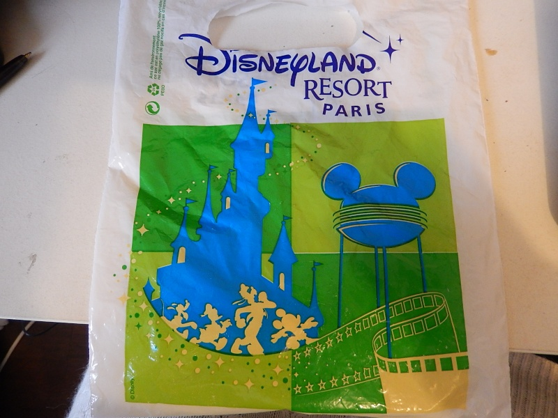 Collection des bourdes de Disneyland Paris - Page 21 07610