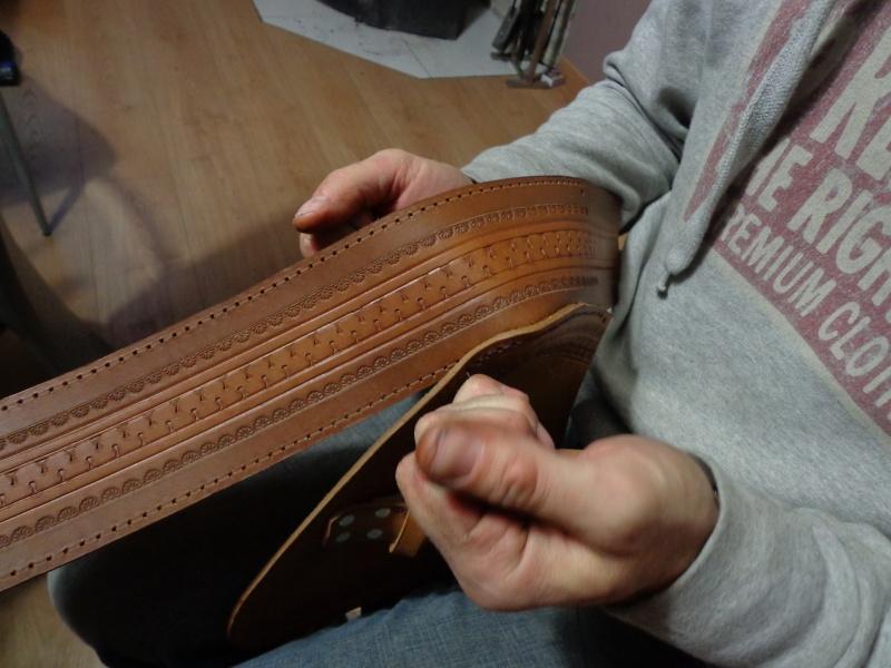Fabrication d'une sacoche en cuir latéral pour sportster   Dsc00010