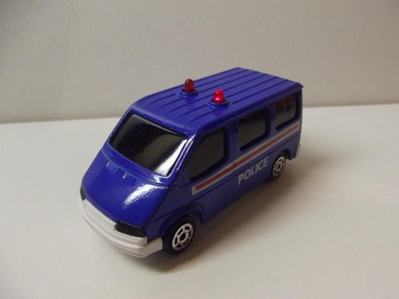N°2306 Ford Transit Police. Dscf5120