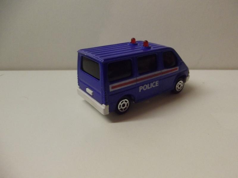 N°2306 Ford Transit Police. Dscf5121