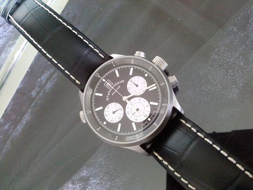 Aide choix d'une montre Aviator - Page 3 Cam00510