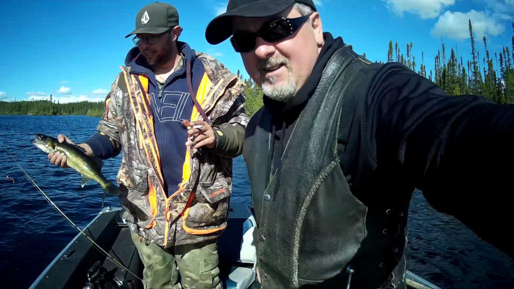 Bon trip de pêche  cette année au lac chibougamau !  Vlcsna16
