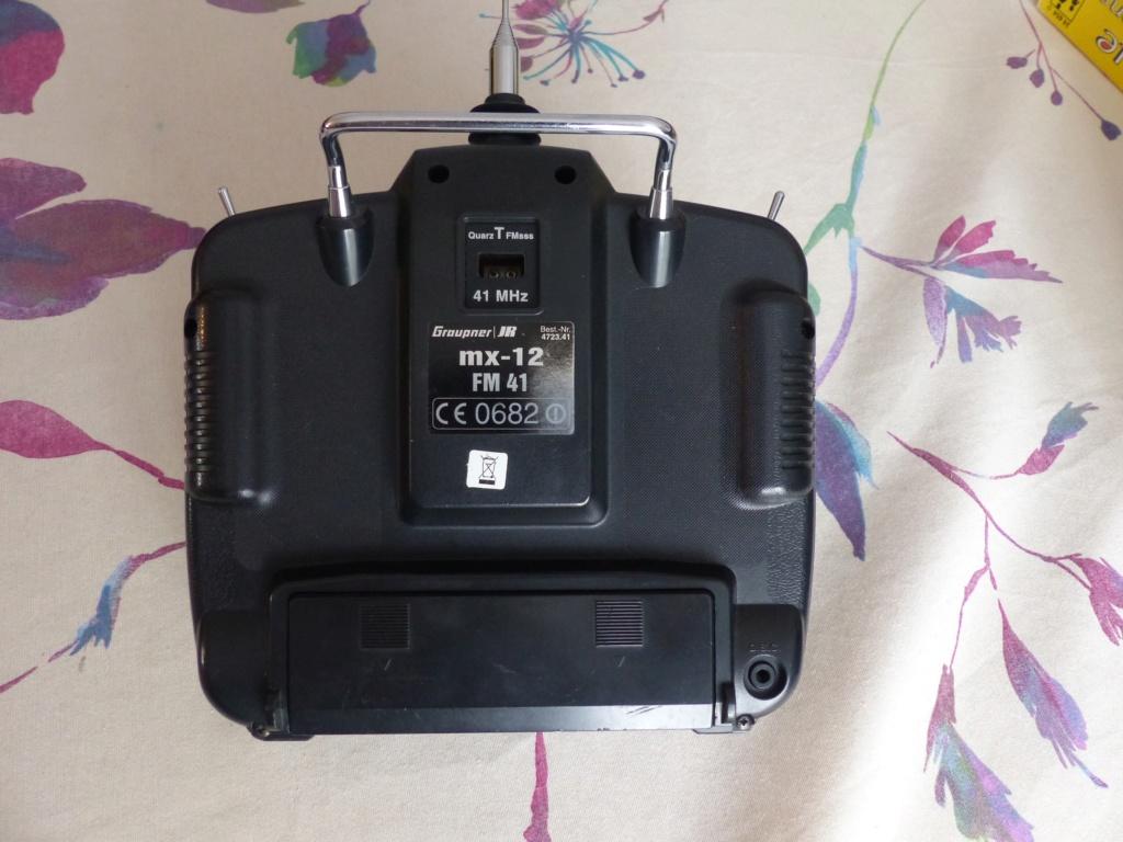 Emetteur GRAUPNER MX12 en 41Mhz pour 25 Euros  P1000114