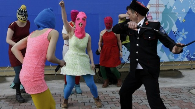 Courageuses Pussy Riot Pussy-10