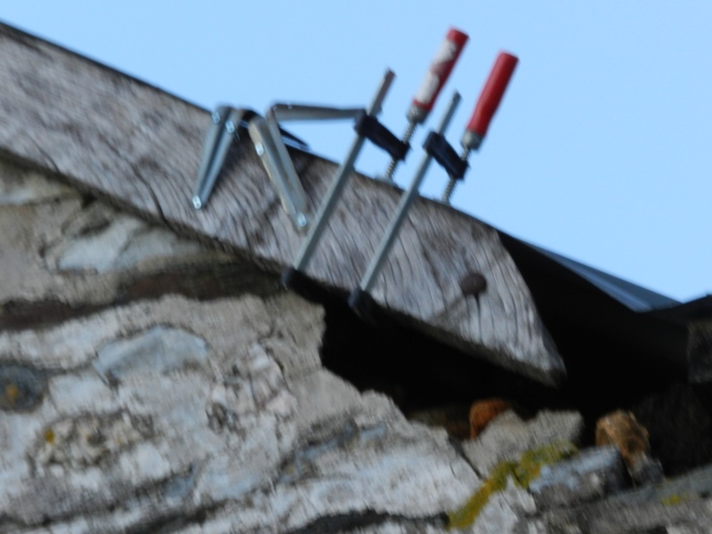 La tempête fragilise les toits alors McGyver doit intervenir Vauvar60