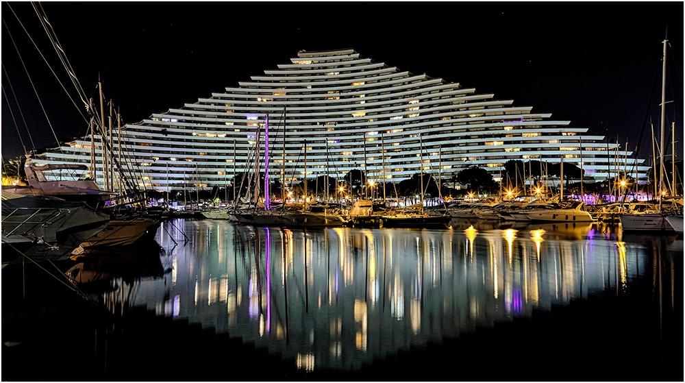 Marina by night Img_8815