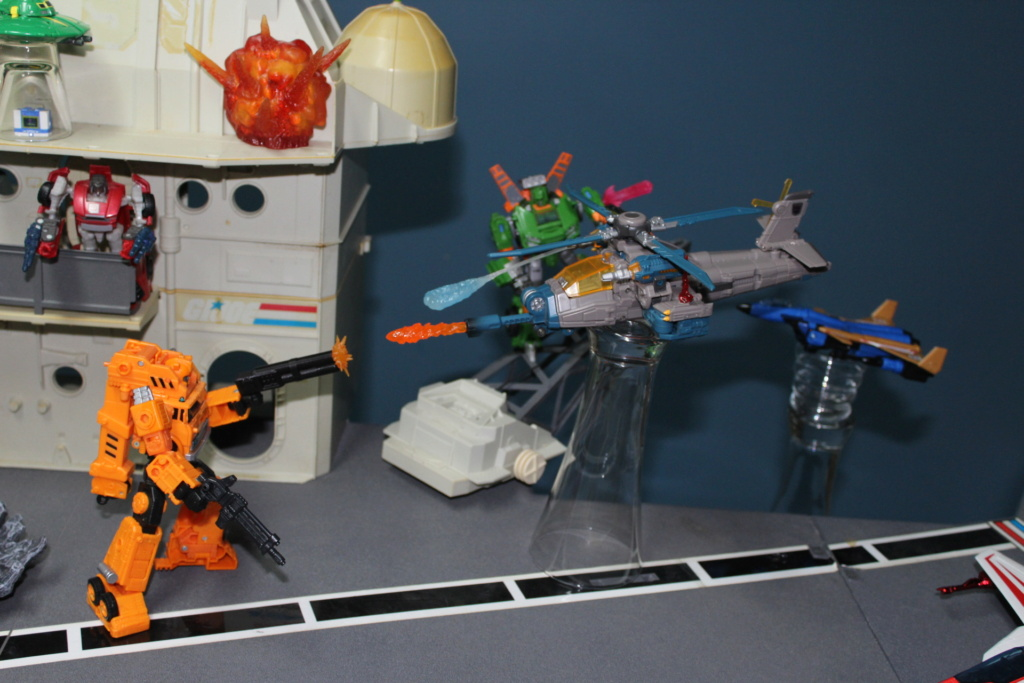 Vos montages photos Transformers ― Vos Batailles/Guerres | Humoristiques | Vos modes Stealth Force | etc - Page 17 213