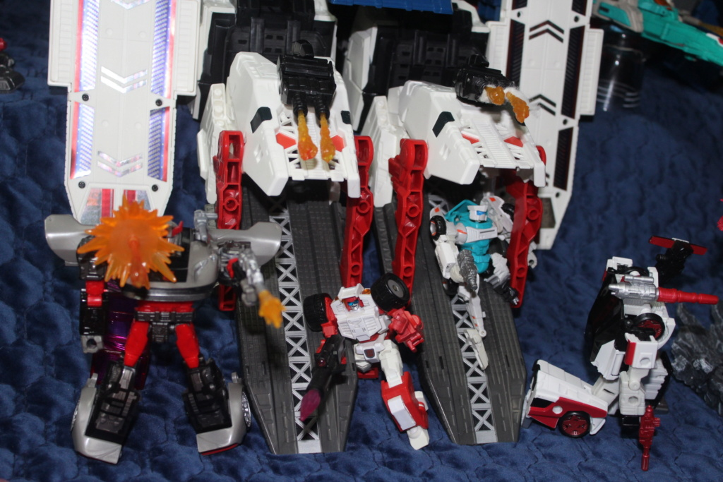 Vos montages photos Transformers ― Vos Batailles/Guerres | Humoristiques | Vos modes Stealth Force | etc - Page 15 2210